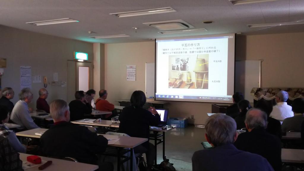 スライドを見ながら善光寺の古代について解説