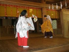 戸隠神社太々神楽(水継の舞)
